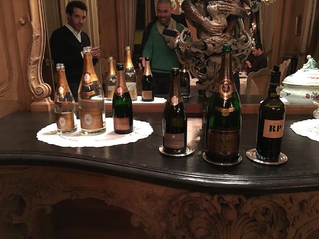 Dîner au champagne chez Louis Roederer :  - cristal roederer brut 1993  - cristal roederer brut 2002 magnum  - roederer rosé vintage 1995  - roederer brut vintage 2008  - roederer brut vintage 1980 magnum  - porto Ramos Pinot 20ans en digestif